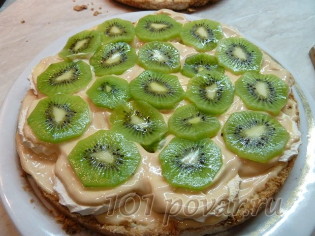 Добавляем фруктовую прослойку или орехи