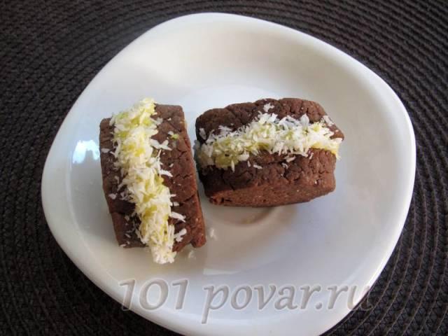 Печенье становится особенно вкусным через время - оно пропитывается и становится очень нежным и ароматным.