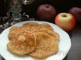 Творожно-яблочные оладьи