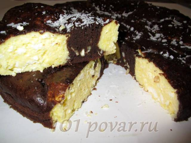 Готовый пирог вынуть сразу же с формы и дождаться, когда он остынет