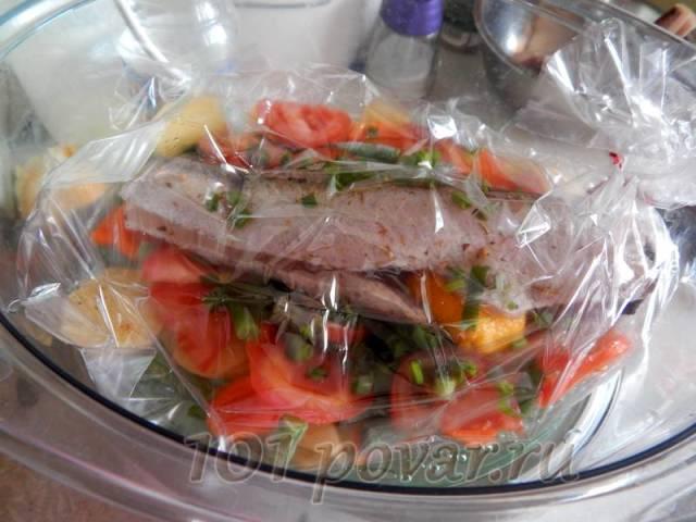 Минтай на овощной подушке